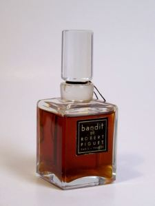 A 2 oz. bottle of vintage Extrait de Parfum, selling on eBay.