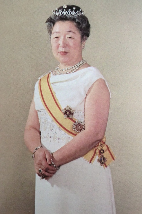 empress nagako kojun japan diamond tiara