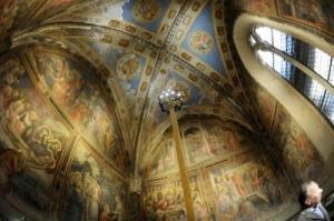 Frescoes on the wall of Santa Maria Novella Pharmacia. Source: Milay Mail newspaper at MMail.com.