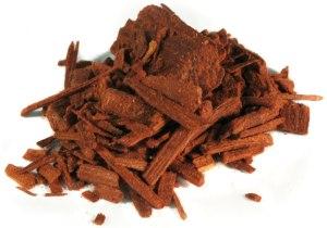Real Mysore sandalwood in chips and slivers. Source: huile-essentielle-biologique.fr