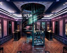 Palais Royal staircase. Source: Scentbar.it