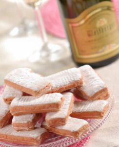 Biscuits Roses de Reims. Source: agence-des-grands-crus.com