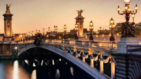 Alexandre III bridge, Paris. Source: wallpaperscraft.com