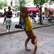 Street performers in Le Marais