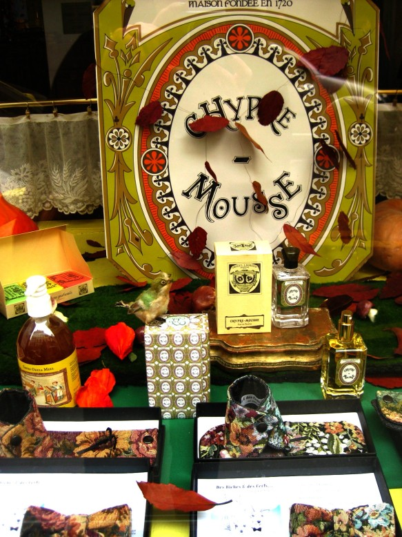 One Oriza store window, featuring Chypre Mousse and some of its collection of vintage bowties.