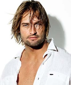 "Josh Holloway who plays ""Sawyer"" on Lost. Source: momdot.com"