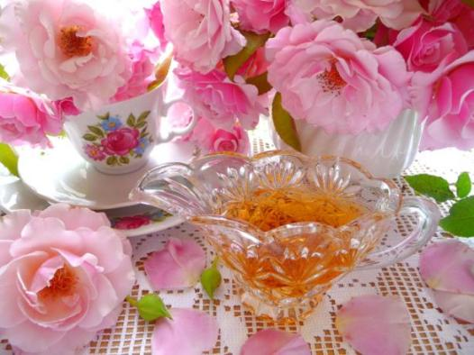 """Cottage Garden Rose-Petal Syrup."" Photo: BecR on Food.com."