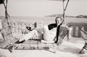 David Niven relaxing on the French Riviera. Source: therakeonline.com