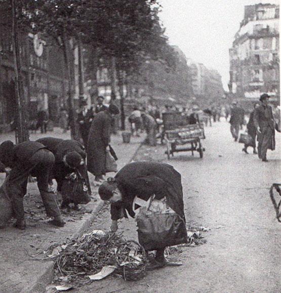 Parisians foraging for food, via NewYorkSocialDiary.com