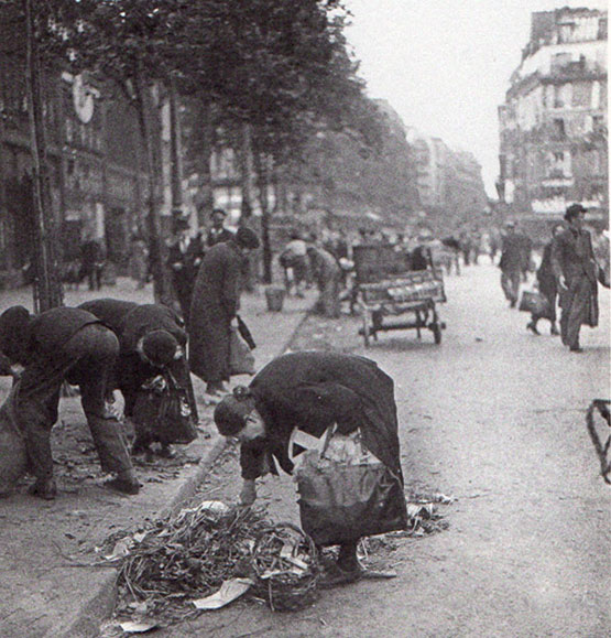 Parisians foraging for food, via NewYorkSocialDiary.com