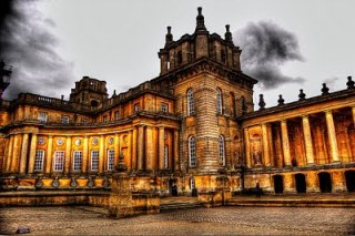 Blenheim Palace. Photo: WilowbrookParkBlogspot.com (Website link embedded within.)