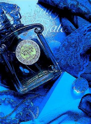 Guerlain's L'Heure Bleue via radiobresil.com.
