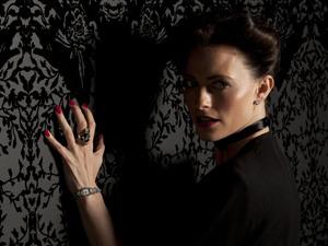 Lara Pulver.
