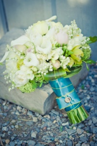 Photo: Mimosa Flower Studio via theweddingco.com